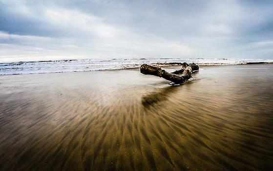 Wave 1 by Gilbert Wayenborgh