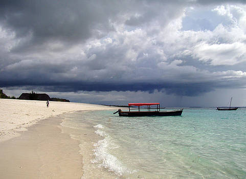Zanzibar beach 06 by Giorgio Darrigo