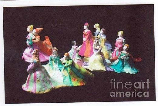 12 Dancing Princesses by Katie Thomas