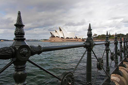 Sydney Opera House by Gej Jones