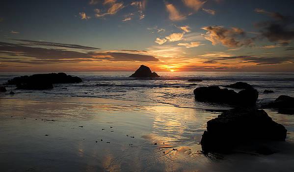 San Simeon Sunset by Jose M Beltran