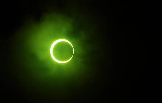 Jenny Rainbow - 15 January 2010 Solar Eclipse Maldives
