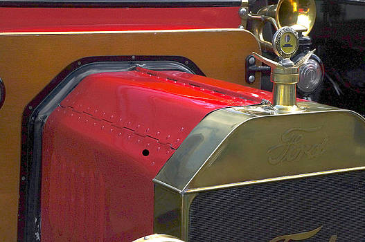 1915 Ford by Kevin Snider