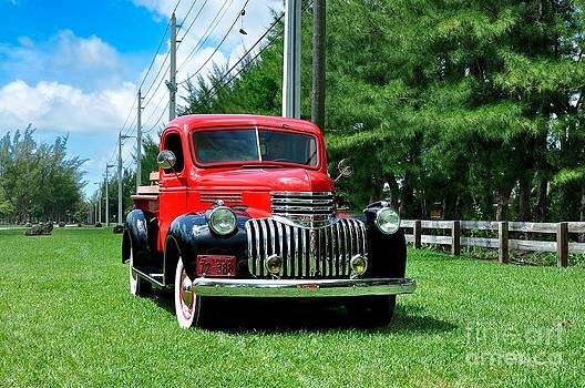1946 Chevy Short Bed by Andres LaBrada