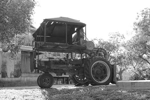 1949 Internatiional Harvester 1 Row Cotton Picker by Rod Andress