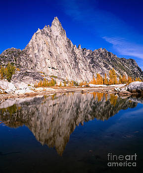 Prusik Peak on Gnome Tarn by Tracy Knauer
