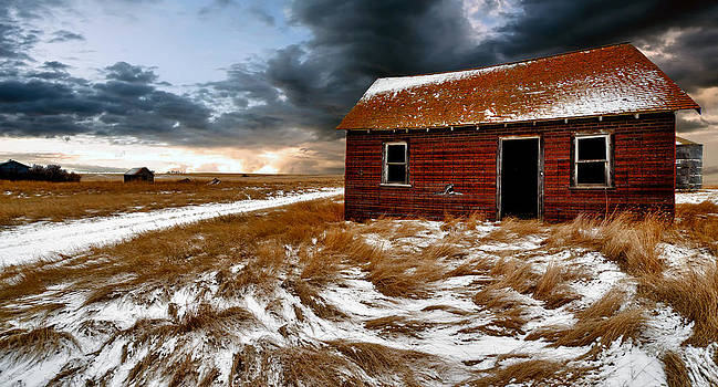 Abandoned House by Mindy Mcgregor
