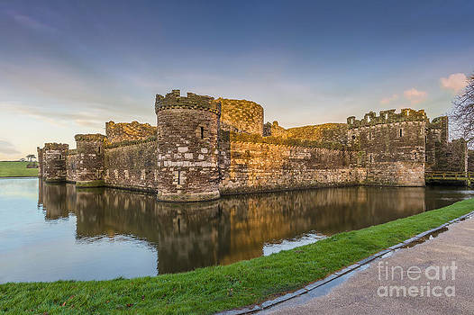 Beaumaris Castle by Bahadir Yeniceri