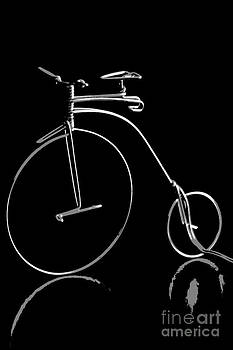 Sophie Vigneault - Bicycle in Black and white