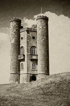 Broadway Tower Cotswold by Gillian Dernie