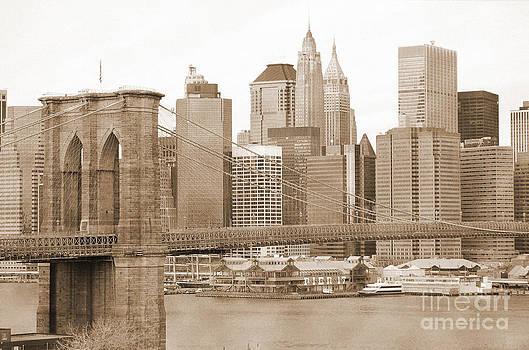 RicardMN Photography - Brooklyn Bridge and Manhattan vintage