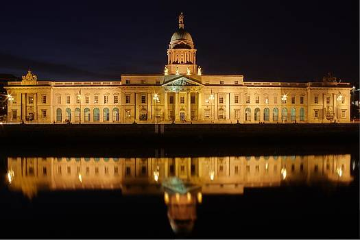 Custom House Dublin by Arnold Nagadowski