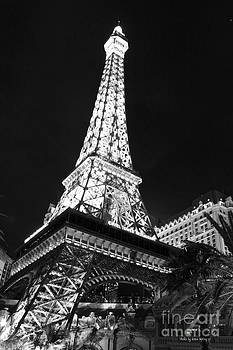 Eiffel Tower by Kevin Ashley