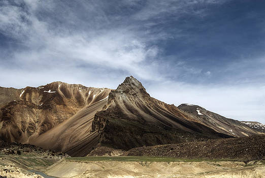 Enter the Golden Lands by Rohit Chawla