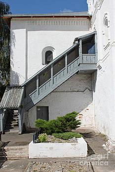 Entrance by Evgeny Pisarev