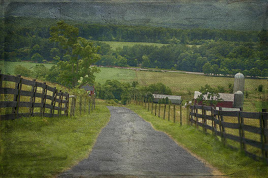 Farm In The Valley by Kathy Jennings