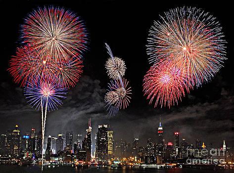Fireworks Over New York City by Roman Kurywczak