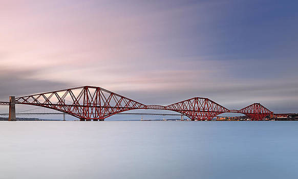 Forth Railway Bridge by Grant Glendinning