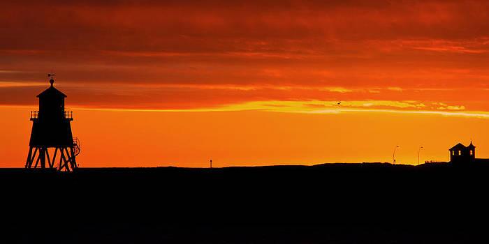 David Pringle - Groyne Lighthouse at Sunrise
