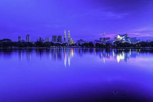 Kuala Lumpur skyline by Mario Legaspi