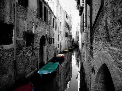 L'Aqua Magica by Micki Findlay