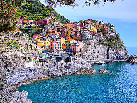 Manarola Cliffside Houses in Cinque Terre Italy by Christy Woodrow