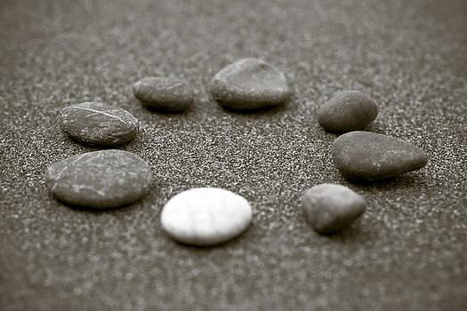 Frank Tschakert - Pebbles