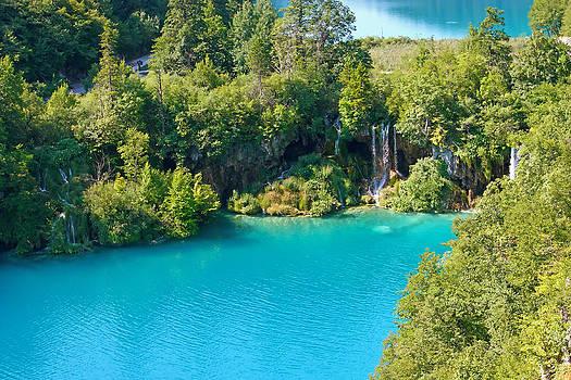 Plitvice lakes by Borislav Marinic