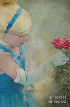 Susan Gary - Princess Girl in Rose Garden