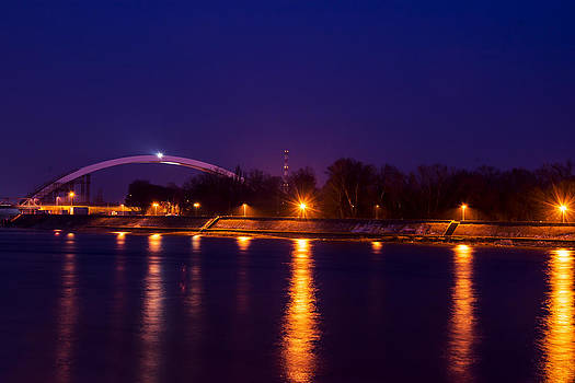 Newnow Photography By Vera Cepic - Quay lanterns with new bridge across the Danube
