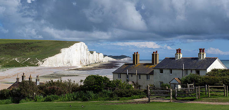 Gary Eason - Seven Sisters cliffs and coastguard cottages