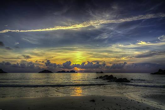 Sunrise by Mario Legaspi