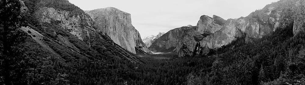 Tunnel View by Thomas Leon