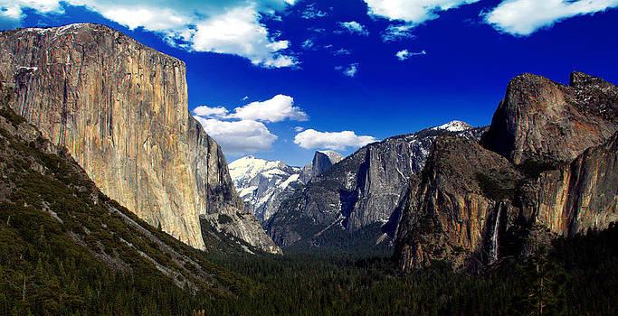 Yosemite Tunnel View by Rick Mutaw