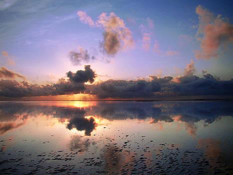 Zanzibar sunrise 03 by Giorgio Darrigo