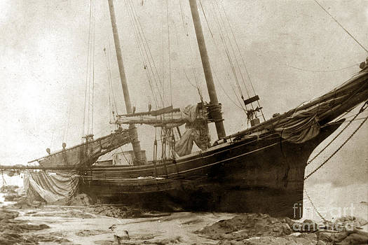 California Views Mr Pat Hathaway Archives - Two-masted schooner shipwrecked on the beach near  Cambria