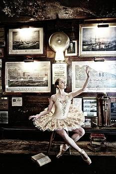 Kike Calvo - Ballerina At The Griswold Inn