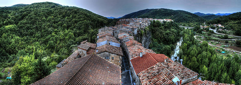 Isaac Silman - Castellfollit de la Roca Spain