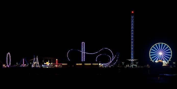 Todd Aaron - Galveston Texas Pleasure Pier At Night
