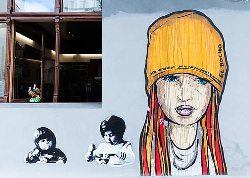 3 Girls by Pedro Nunez