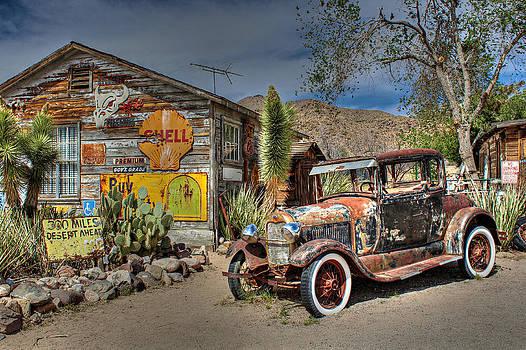 Hackberry General Store on Route 66 by Lynn Jordan