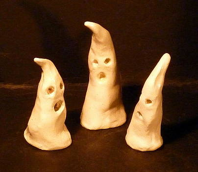 3 little Ghosts  by Debbie Limoli