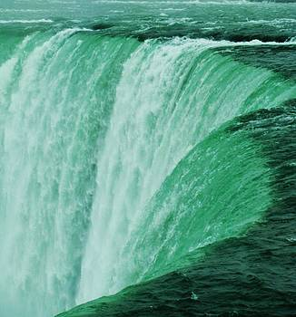 Niagara Falls by Deborah Knolle