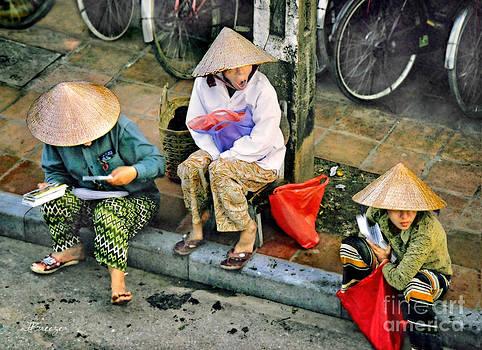 3 Non la in Hoi An-Vietman by Jennie Breeze
