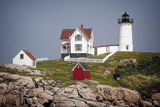Nubble Light by Ray Summers Photography