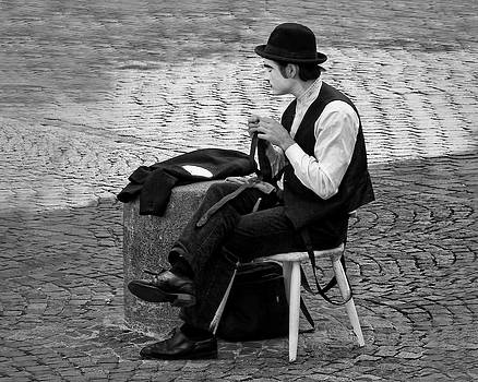 Nikolyn McDonald - 3 - The Cravat - Cravate - French Mime