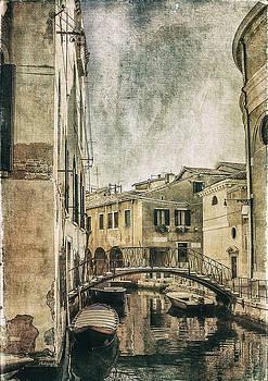 Julie Palencia - Venice Back in Time