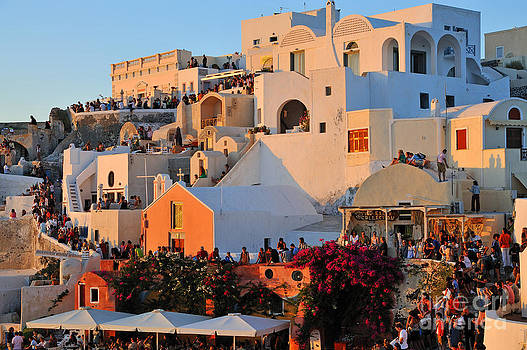 George Atsametakis - Waiting for the sunset in Oia town