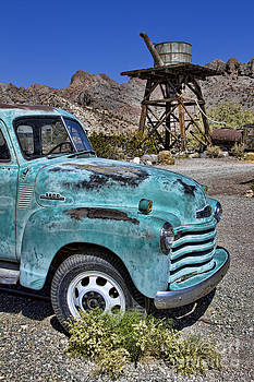 3800 Chevy Truck by Jason Abando