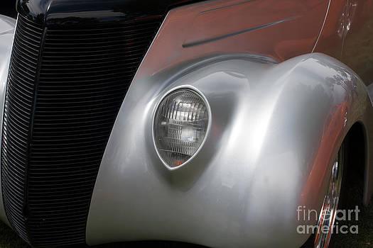 Gunter Nezhoda - Front side of a classic car